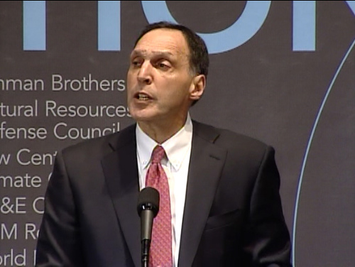 Richard_S._Fuld,_Jr._at_World_Resources_Institute_forum