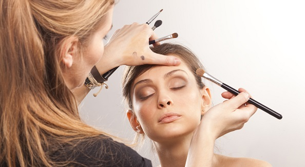 Choosing a beauty and cosmetology school